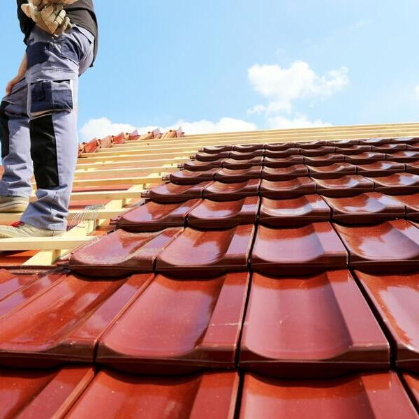 Így állapíthatod meg, hogy van-e baj a tetővel - és ha igen, mekkora.