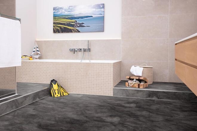 Nem hideg kő, hanem laminált padló: Egger Aqua+